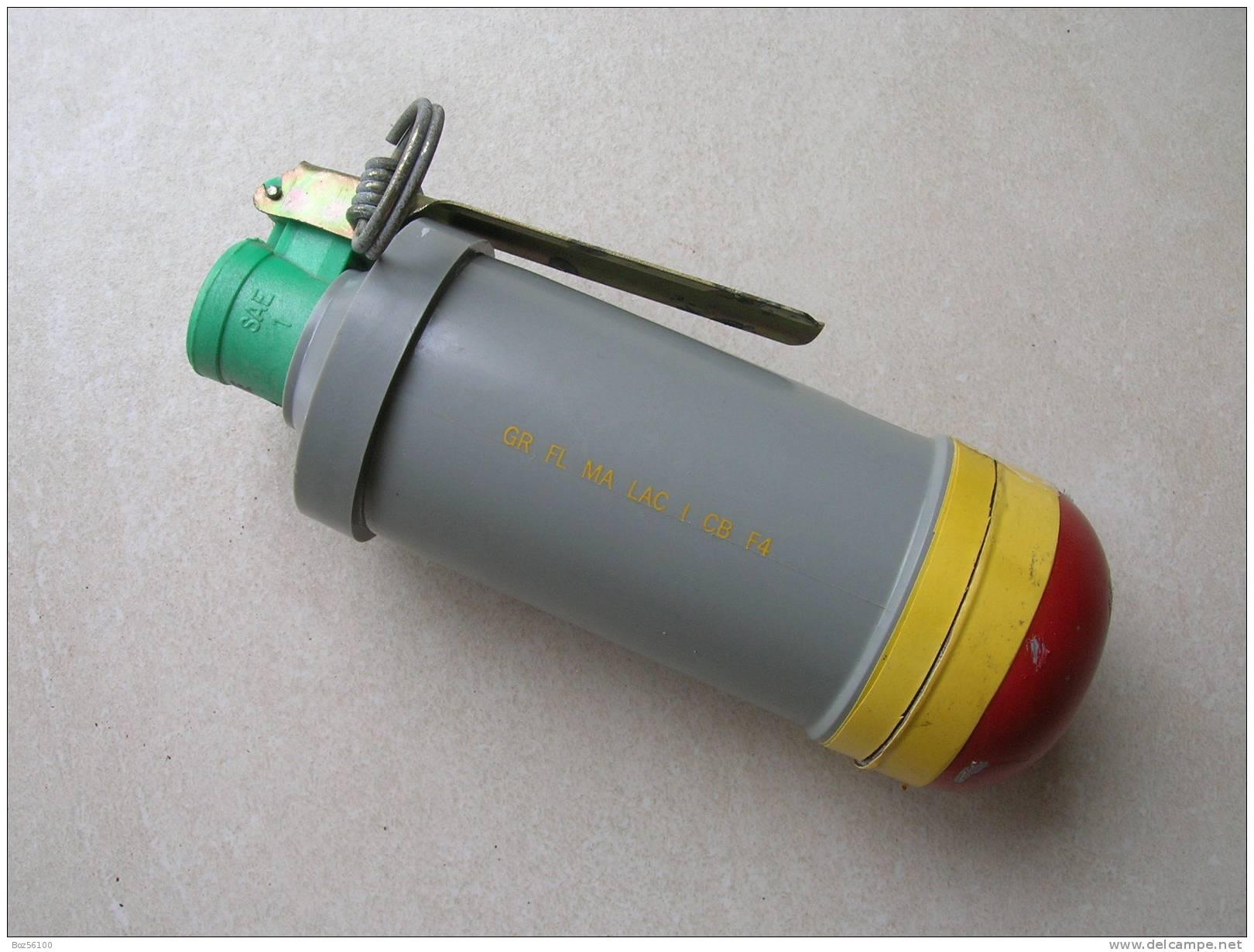 Grenade F4 (Delcampe 2011 15e)